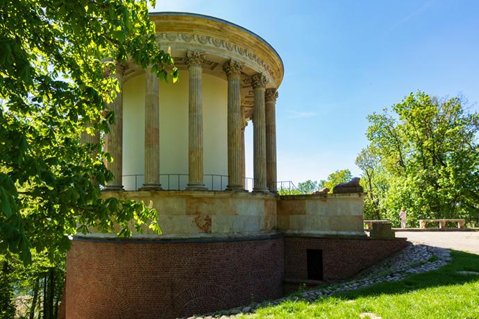 Najpiękniejsze ogrody pałacowe w Polsce - Pałac Czartoryskich
