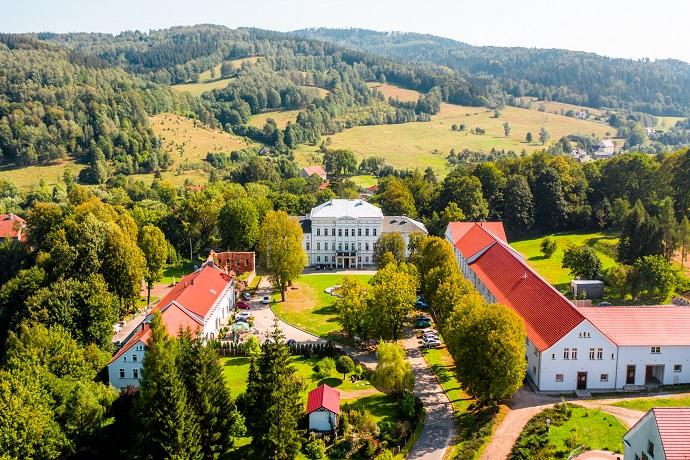 Poznaj Polskę z Travelist: Góry Sowie - Pałac w Jedlince