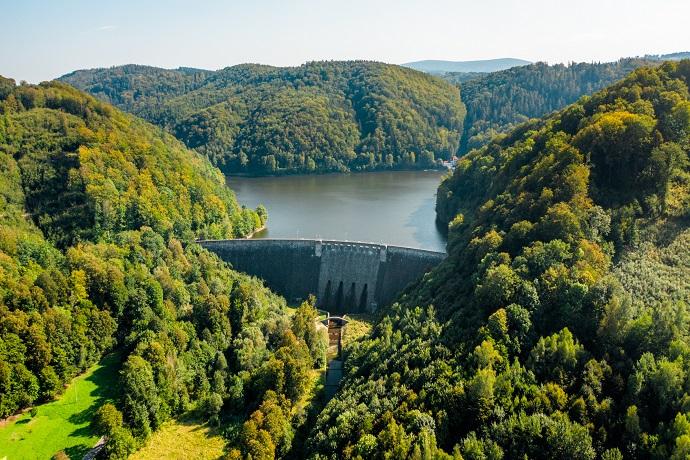 Poznaj Polskę z Travelist: Góry Sowie - zapora na Jeziorze Bystrzyckim
