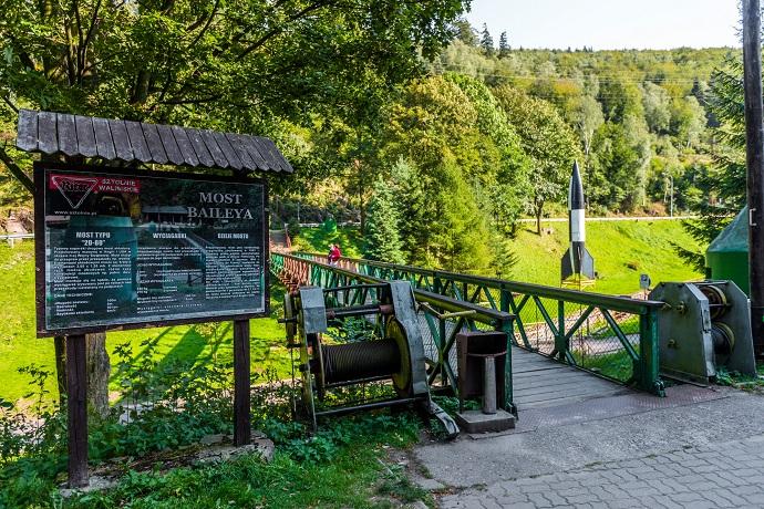 Poznaj Polskę z Travelist: Góry Sowie - Most Baileya
