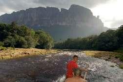Z-rzeki-Carrao-…pad-swiata