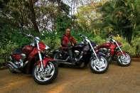 Jazda na motorze po obcym kraju, zwłaszcza w tak trudnych warunkach jak w Indiach, po drogach poprowadzonych najwyżej na świecie w Ladakhu, przecinających pustynie zachodnich Indii, jest wyzwaniem. Bezpieczeństwo każdego motocyklisty zależy od lidera wyprawy. Od jego doświadczenia oraz znajomości terenu i ludzkiej psychiki.