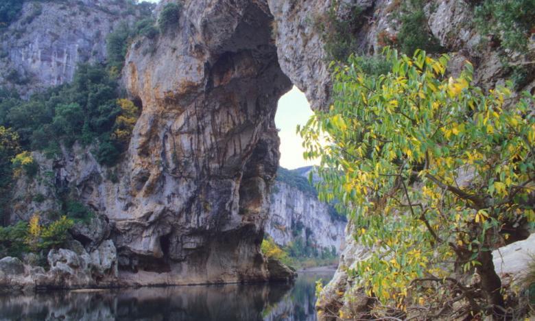 Francja otwiera jaskinię Pont d'Arc