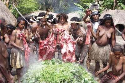 Tradycyjna uczta plemienia Dani