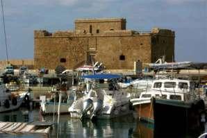Fort strzegàcy portu w Pafos