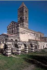 Romański kościół św. Trójcy w Saccargia