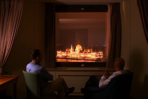 Budapeszt, widok na Parlament z pokoju Hotelu Hilton w Budzie, fot. Paweł Wroński