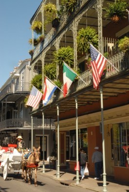 photos-french_quarter_with_carriage_2016
