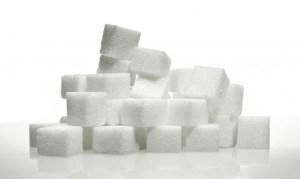 Zuckerkonsum führt zur Produktion von Insulin, dieses Hormon begünstigt jedoch die Fettspeicherung.