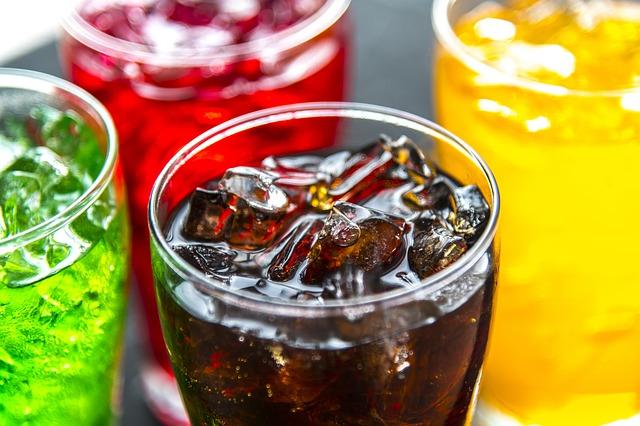 Versteckte Zucker in Getränken und Fertigprodukten sind ein großer Anteil unseres Zuckerkonsums.