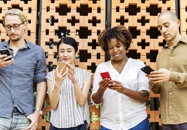 Wie Bildschirmgeräte unser Leben verändern.