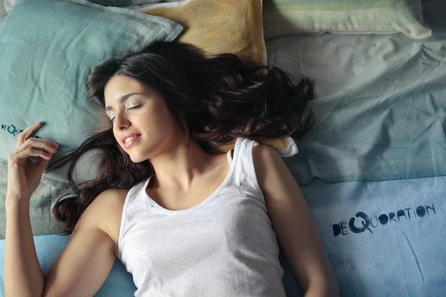 Schlaf hat eine zentrale Bedeutung für unsere Gesundheit und Fettverbrennung.