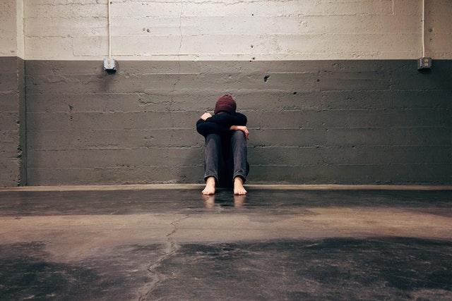 Depressionen können durch Entzündungen ausgelöst werden, die ernährungsbdingt sein können.