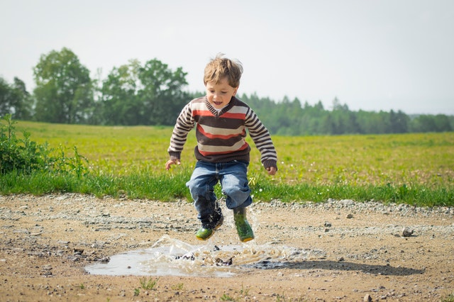 Seit unserer Geburt trainieren alle Erreger, mti denen wir Kontakt haben, unser Immunsystem.