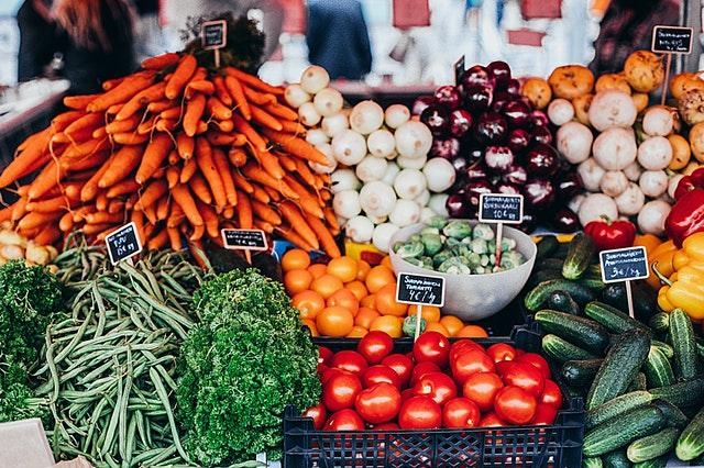 Buntes Gemüse in allen Farben steht heute auf der Agenda der dritten Eichhörnchenstrategie.