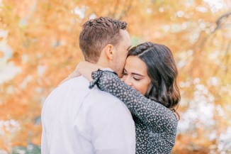 Cozy and Romantic Autumn Engagement Photography by Magdalena Studios_0009