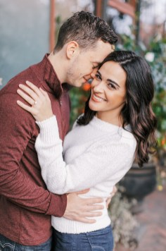 Cozy and Romantic Autumn Engagement Photography by Magdalena Studios_0014