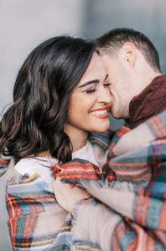 Cozy and Romantic Autumn Engagement Photography by Magdalena Studios_0016