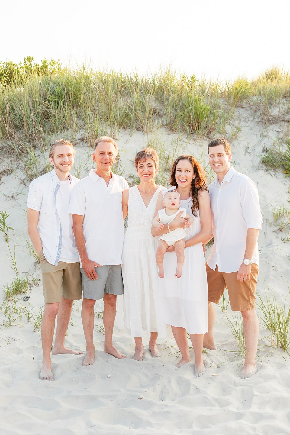 Family Session Outfit Inspiration by Magalena Studios8