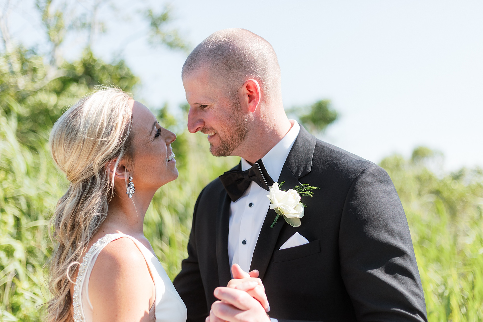 Natural and Vibrant Wedding Photography at the Reeds in Stone Harbor NJ by Magdalena Studios 0040