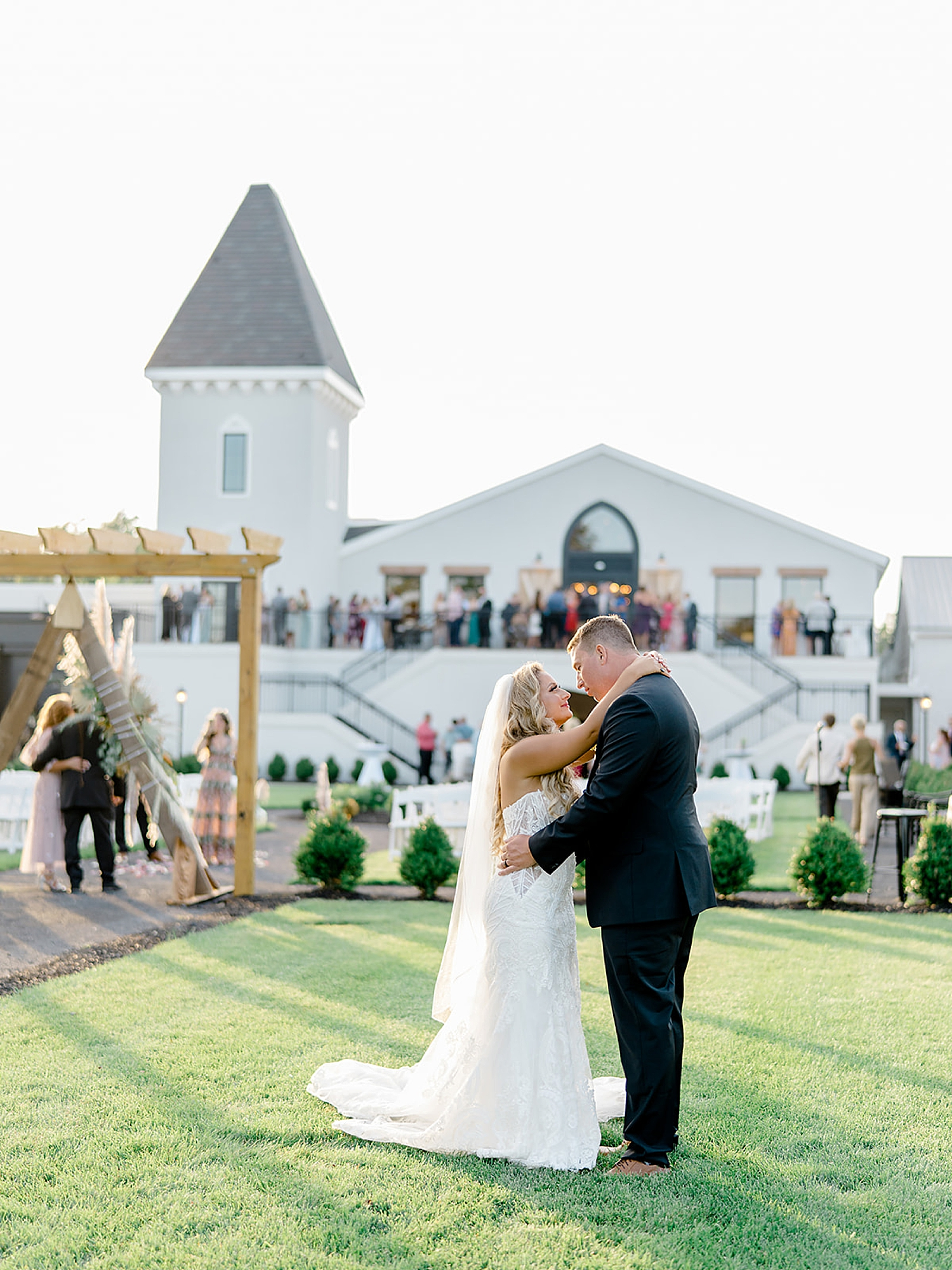 Renault Winery Wedding Photography by Magdalena Studios 0044