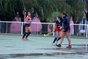 El hockey de Magdalena y una jornada bajo agua