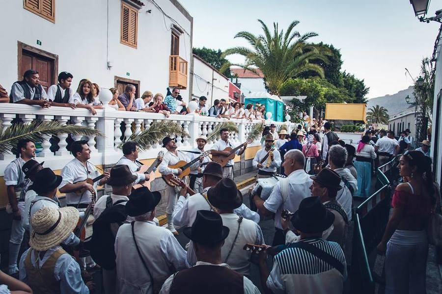 Музиканти по време на фиеста в Моган.