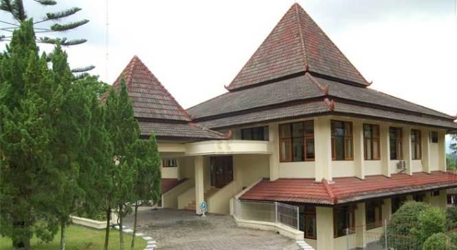 Berapa Biaya Kuliah di Universitas Negeri Tidar Magelang Tahun 2014?