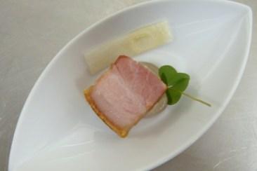 schweinebauch, birnenbluetensirup