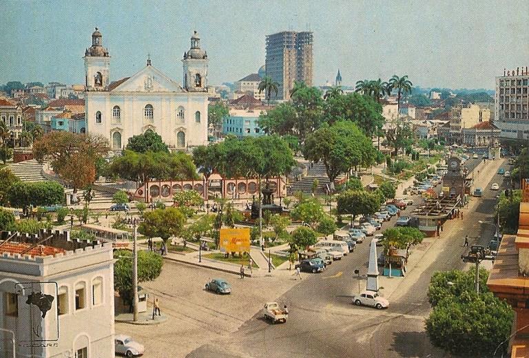 Praça da Matriz e Avenida Eduardo Ribeiro, Manaus