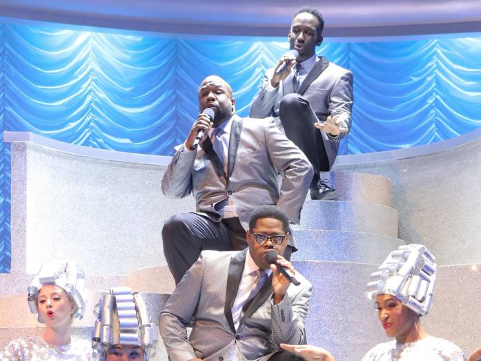 Boyz II Men as the Teen Angels