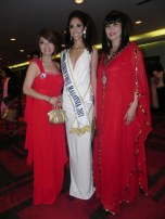 Maggie Loo with Winnie Loo and Deborah Henry Miss Universe Malaysia 2011