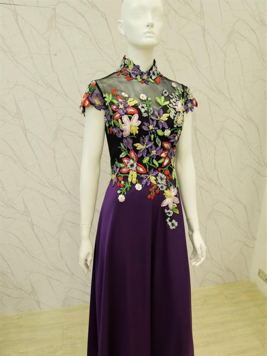 (臺北媽媽禮服)C45紫歐美花草刺繡珠工立領長旗袍 | Maggie媽媽禮服新娘秘書