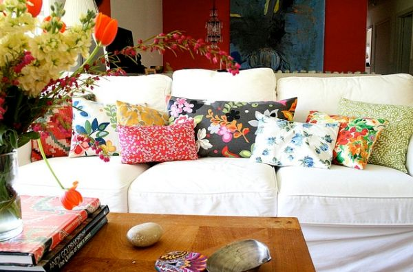 white-sofa-floral-print-pillows
