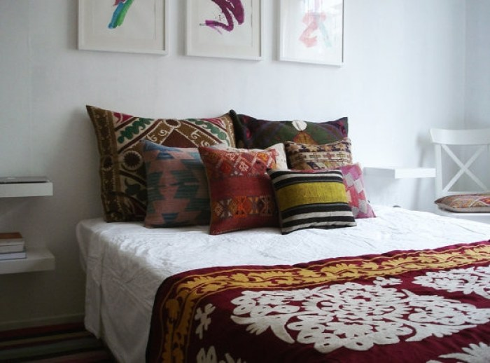eclectic-decorative-pillows
