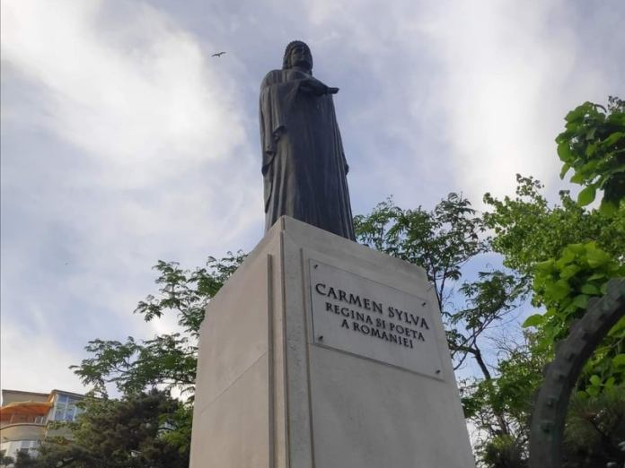 Statuia Reginei Elisabeta