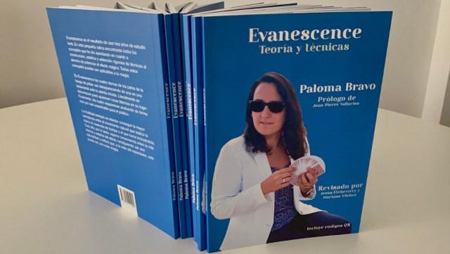 Libro Evanesence de Paloma Bravo revisado por Jesús Elcheverry y Mariano Vilchez