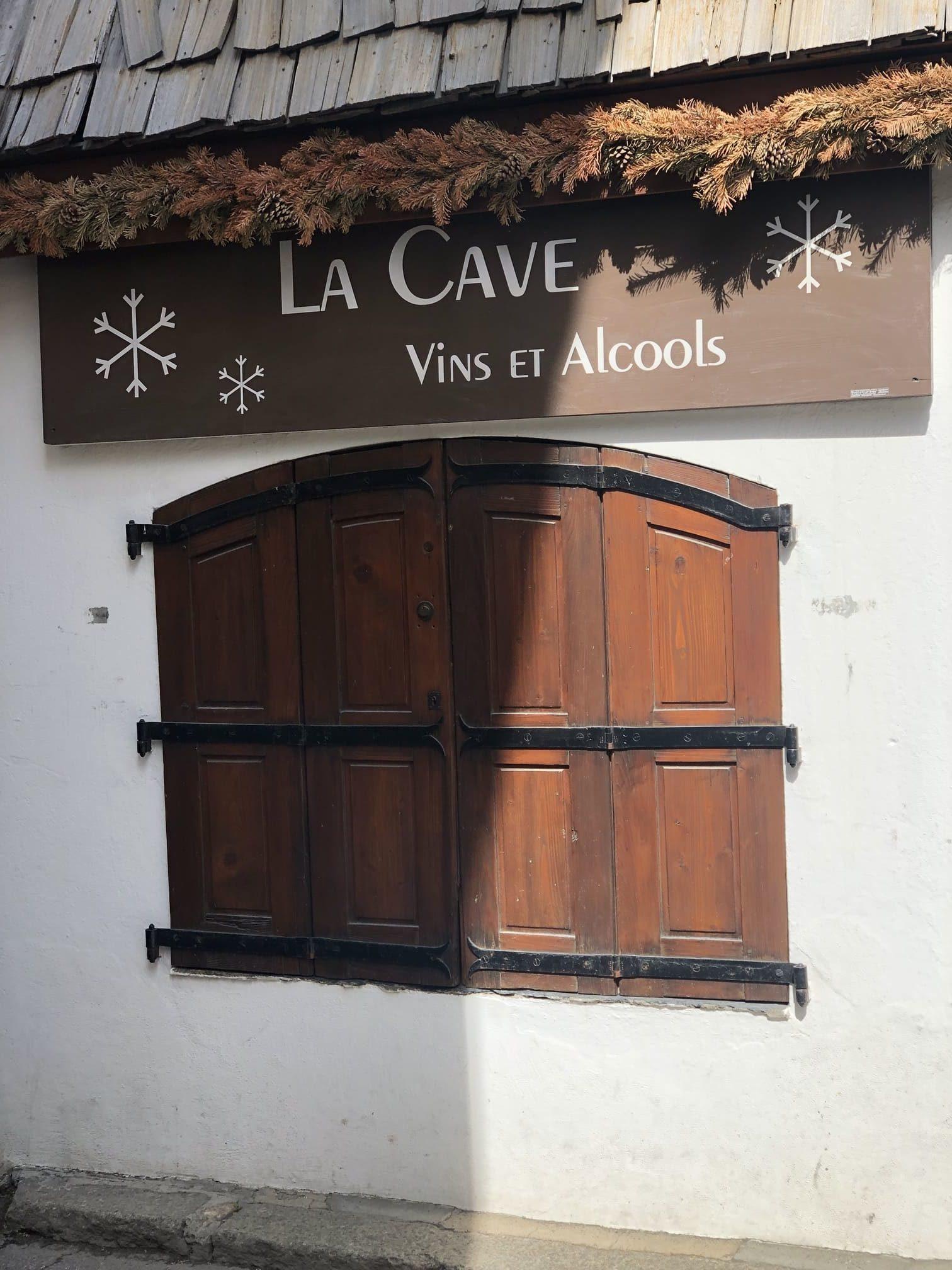 Flocons Village - cave a vins - Megeve - France - 3