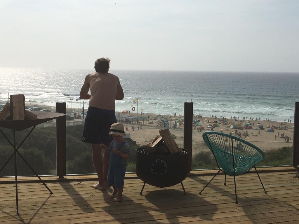 noah surf house - santa cruz portugal 1