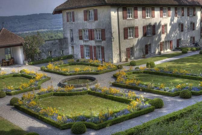 Schlossgarten Schloss Lenzburg mit Stapferhaus