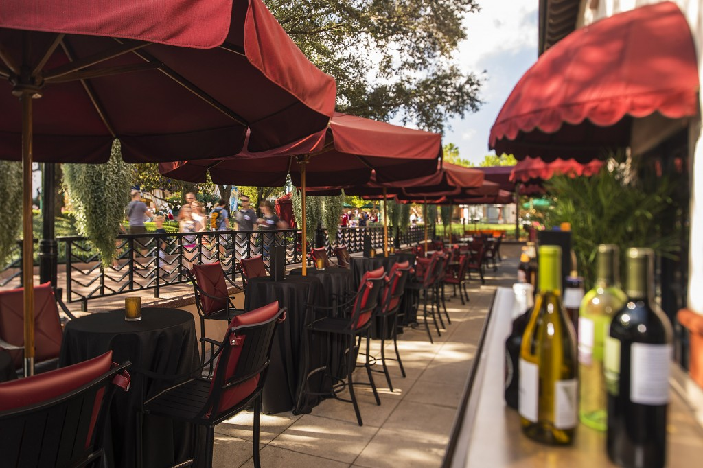 New Patio Lounge at Hollywood Brown Derby - Photo by Matt Stroshane / Disney