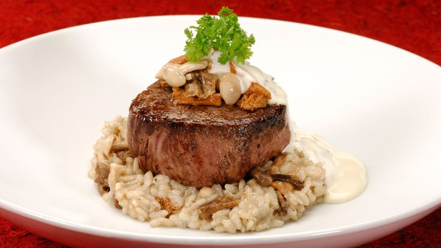 Le Cellier's famous filet mignon - Photo by Disney