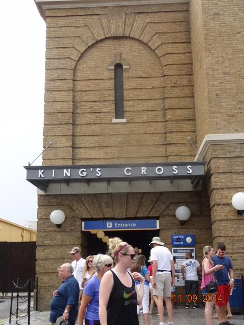 King's Cross Station- Harry Potter Universal