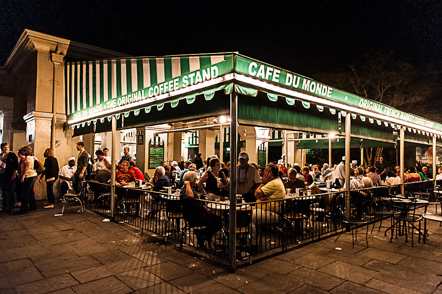 Cafe Du Monde - photo by Cameras and Restaurants