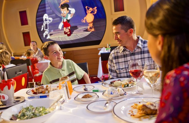 Early or Late? Which Disney Cruise Line dinner seating is best?