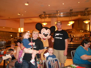 Meeting Jedi Mickey at Star Wars Dine at H&V