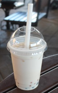 Lotus House: Oolong Peach Bubble Tea