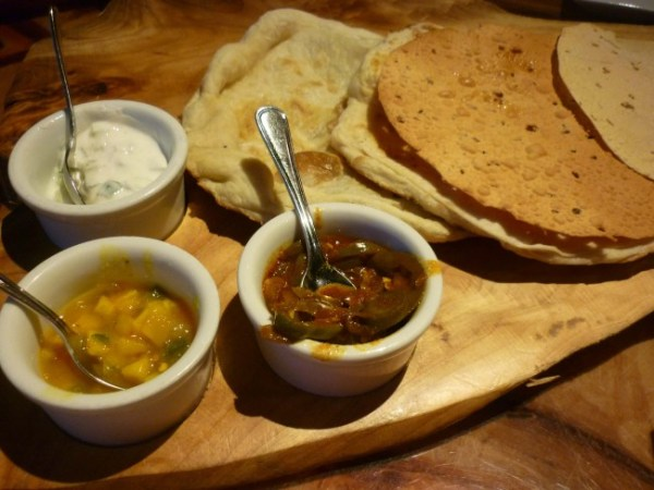 Indian-style bread service at Sanaa-Photo by Danielle Meyer