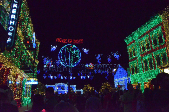 The Osborne Family Spectacle of Lights