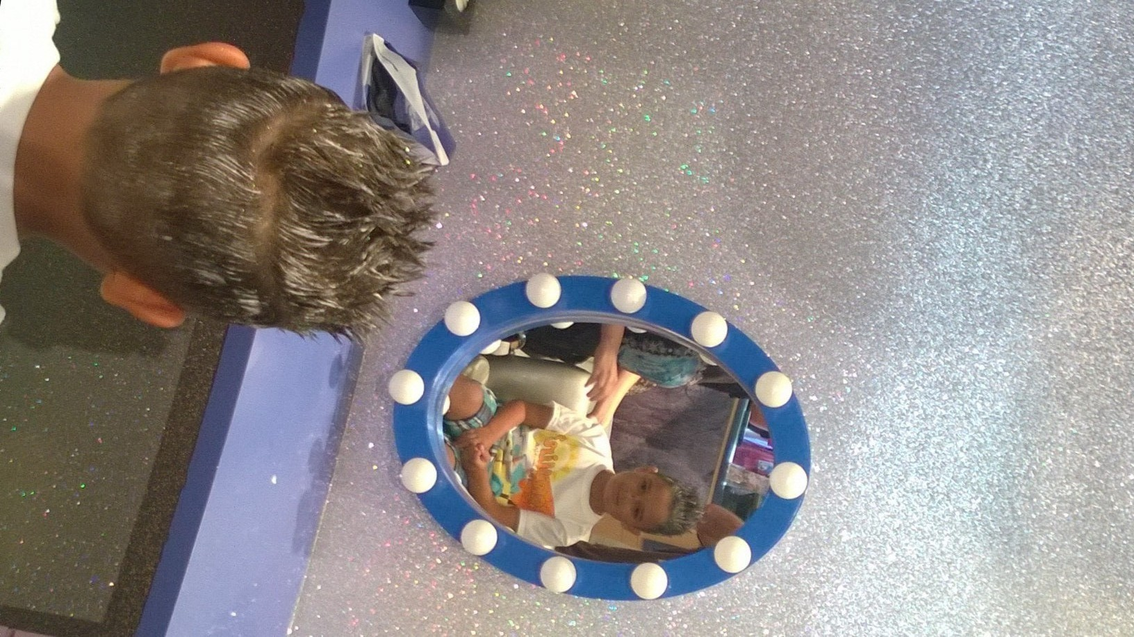 Get A Royal Frozen Make Over At Anna And Elsa S Boutique